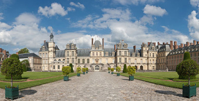 Palace_of_Fontainebleau,_France_1