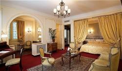 Hotel Regina Room